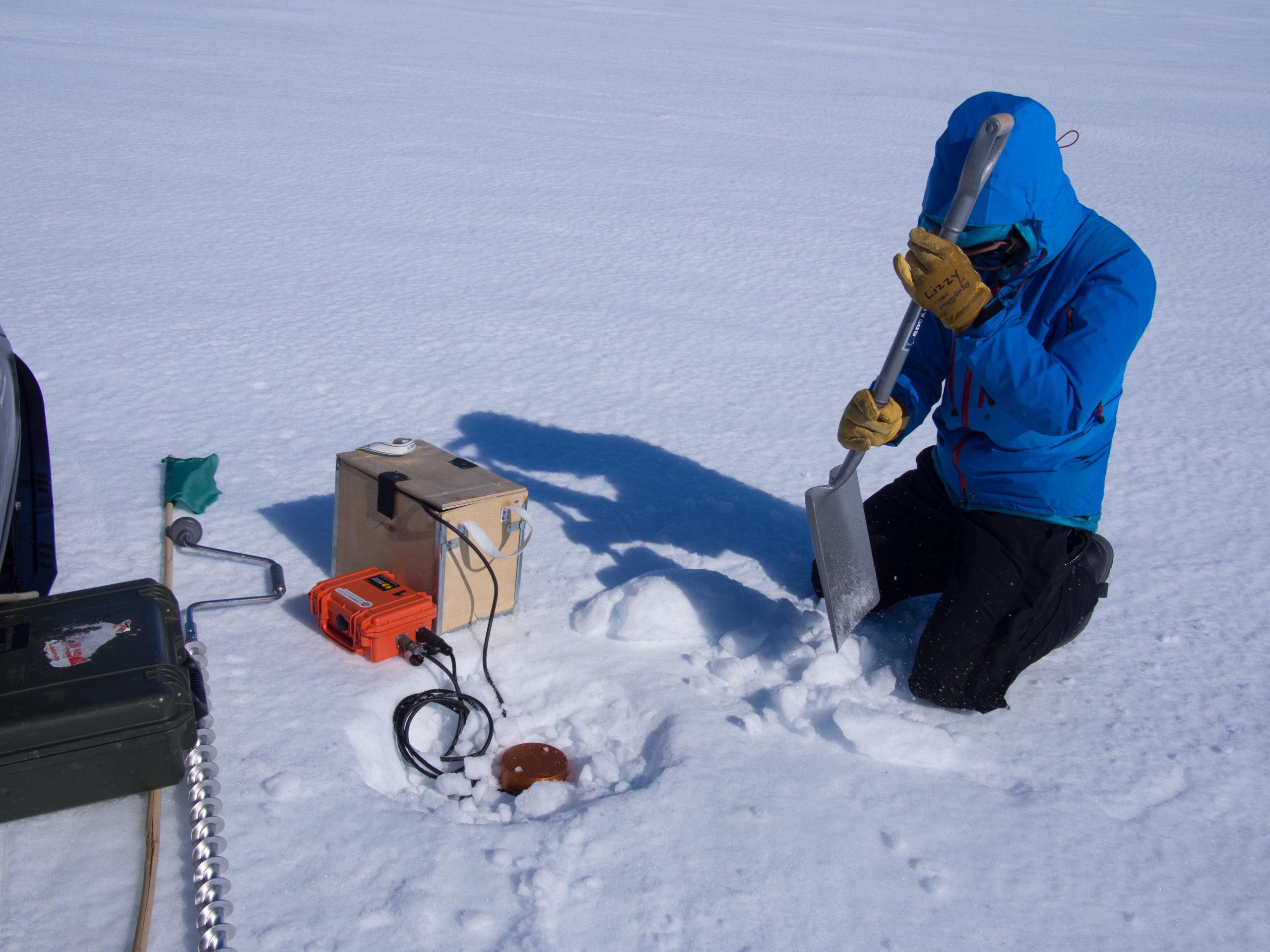 Burying tilt meter in Antarctica